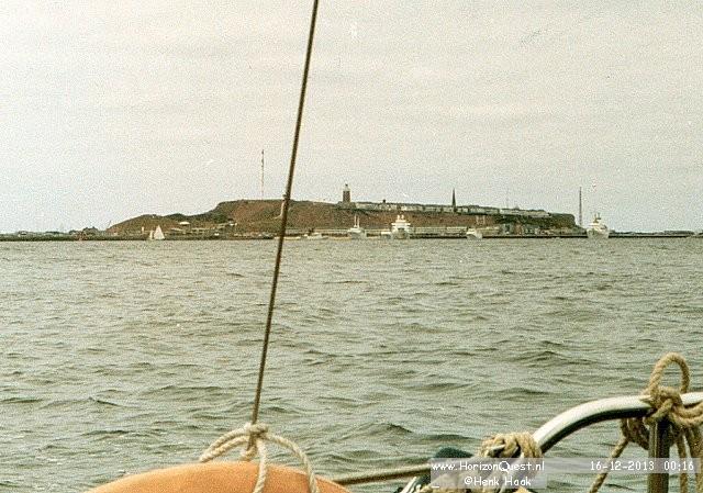 Helgoland op de achtergrond