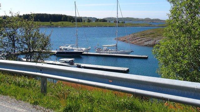 Aan de steiger in Selsoyvik
